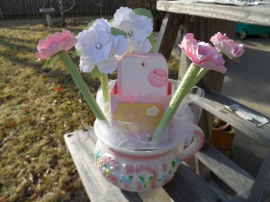 Beautiful way to display and share mom advice cards for baby showers